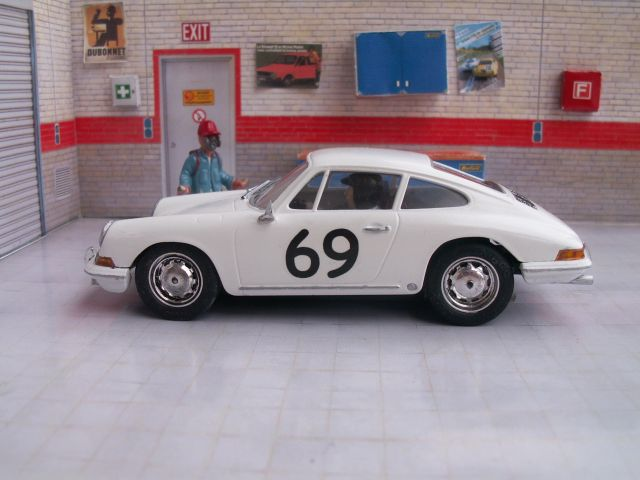 Porsche 911S 1965, kit ARII 911-garage-03