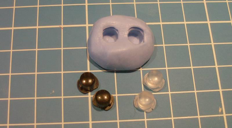 Reproduction de petites pièces avec de la pâte silicone Tuto-siligum-06