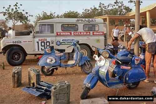 Land Rover du FOLM Dakar Vespa02